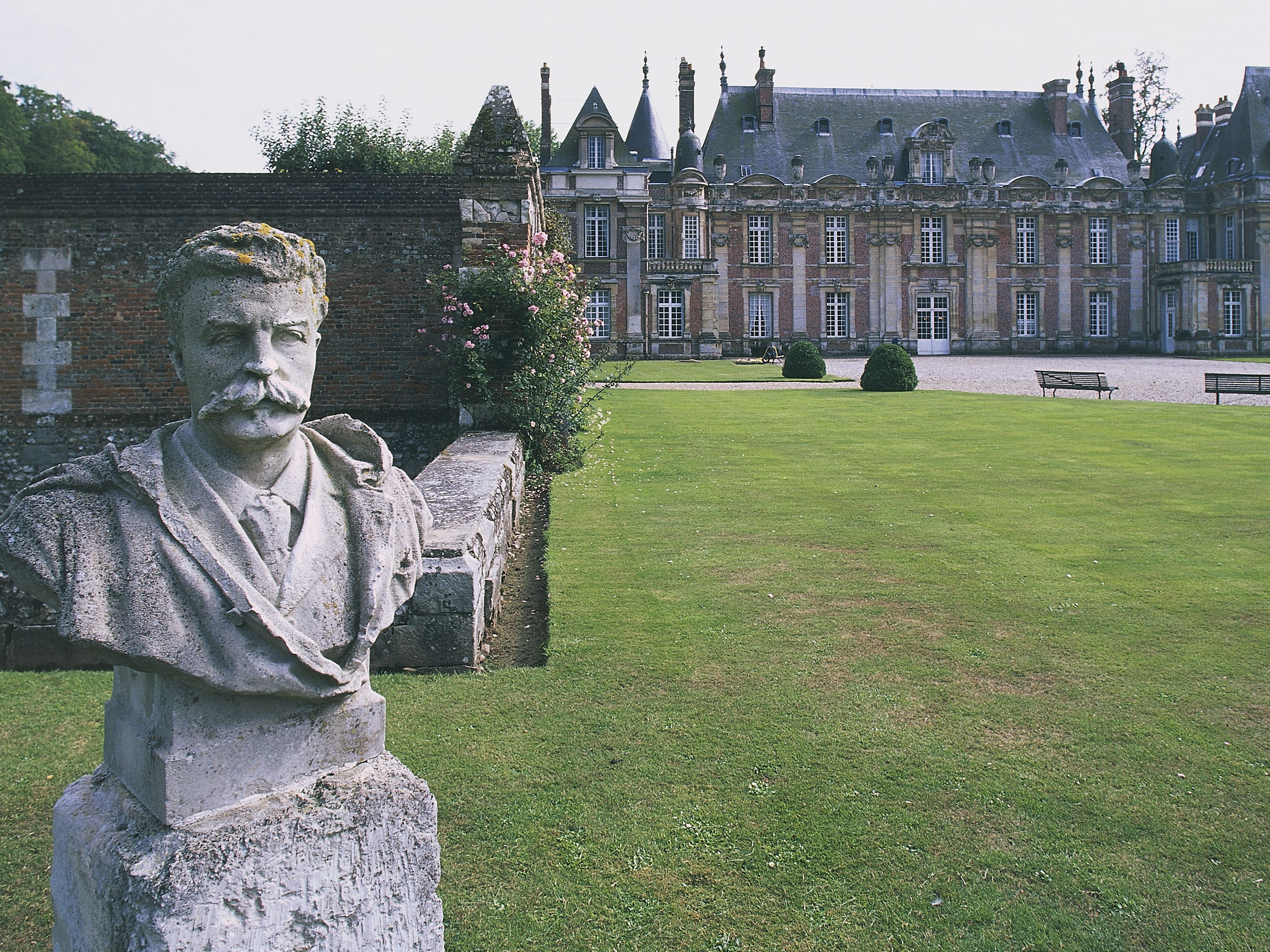 Guy de Maupassant, Father of the Short Story