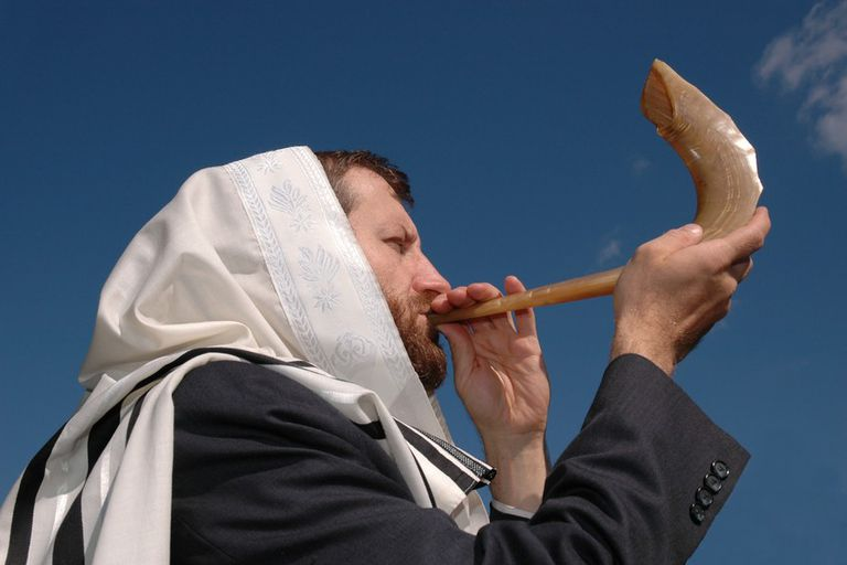 Man blowing the Shofar