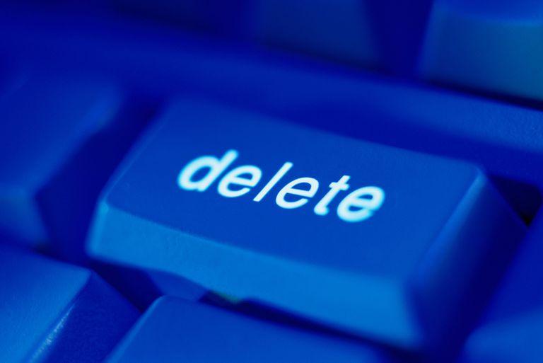 A delete button on a blue keyboard