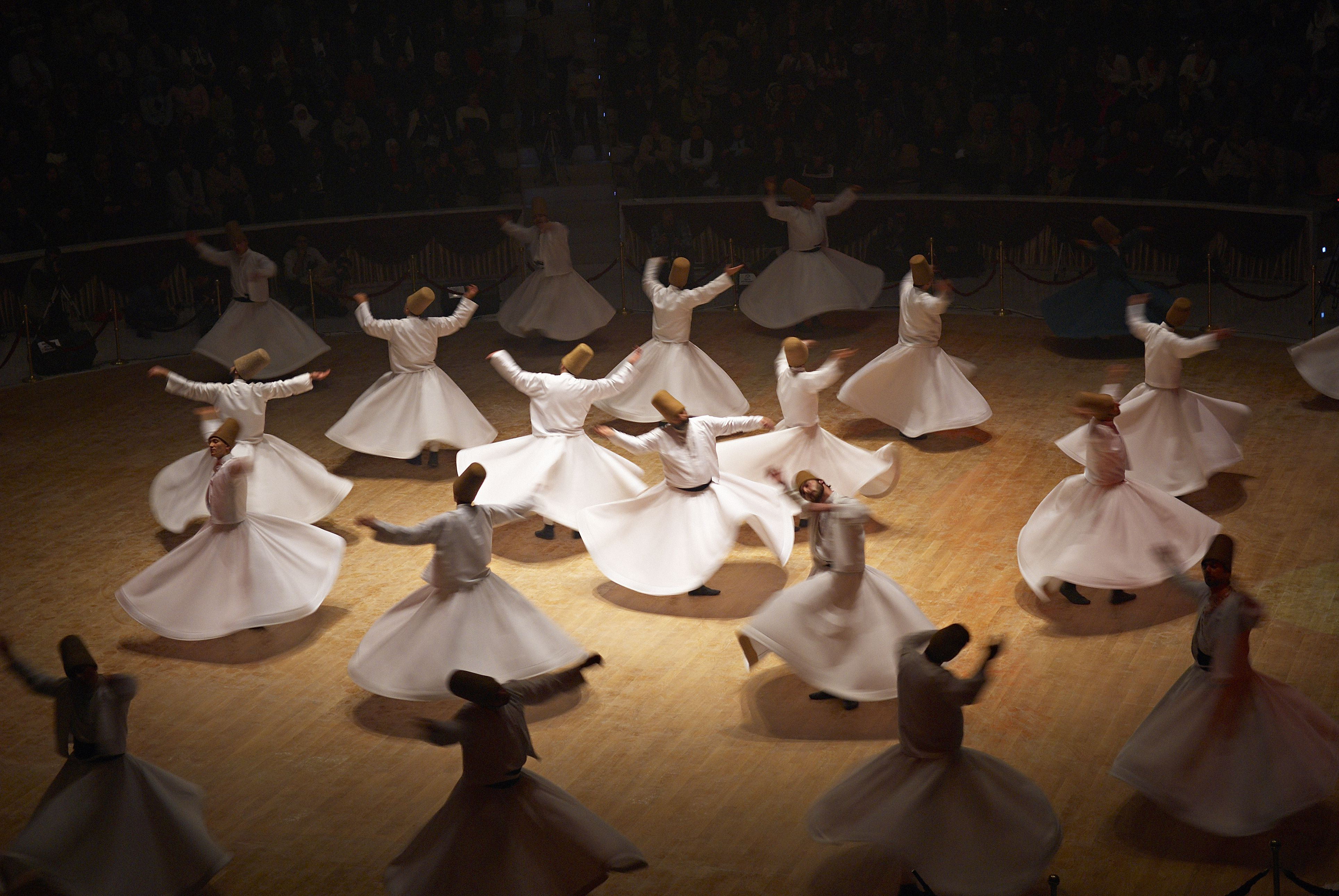 turkey  anatolia  konya  whirling dervishes  blurred motion  200505293 001 5b96c19c46e0fb0050fba526 Sufismo: A religião mística do Islã que foi pioneira do haxixe e do café