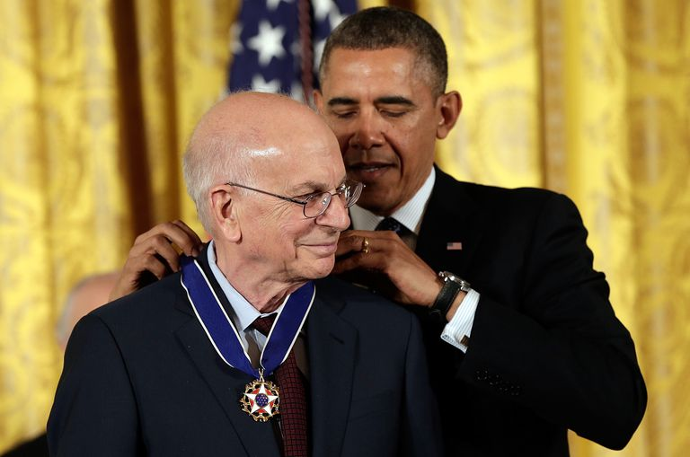 Daniel Kahneman receiving Presidential Medal of Freedom