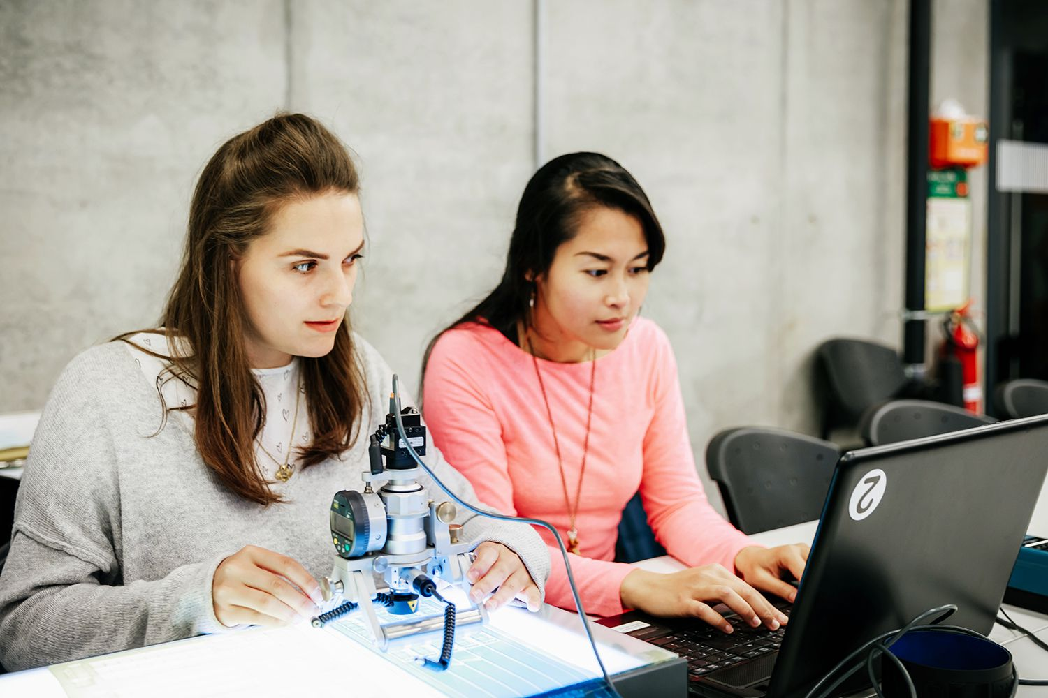 explore our summer engineering programs for high school - HD1500×1000