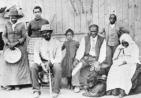 Harriet Tubman with freedom seeking enslaved people she Helped During the Civil War