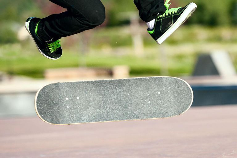 Kickflip close up