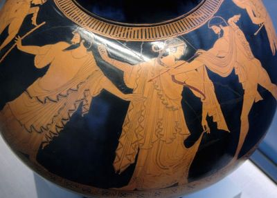 Idas and Marpessa are separated by Zeus. Attic red-figure psykter, c. 480 B.C., by the Pan Painter.