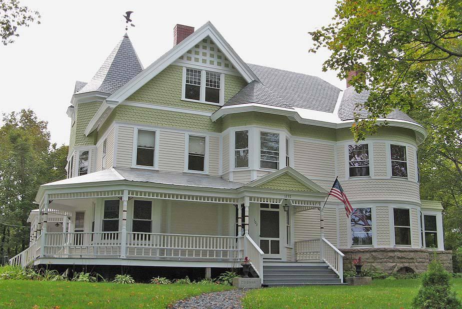 1889 Queen Anne victorienne à Dover-Foxcroft, Maine