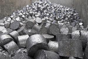 A pile of aluminum slugs