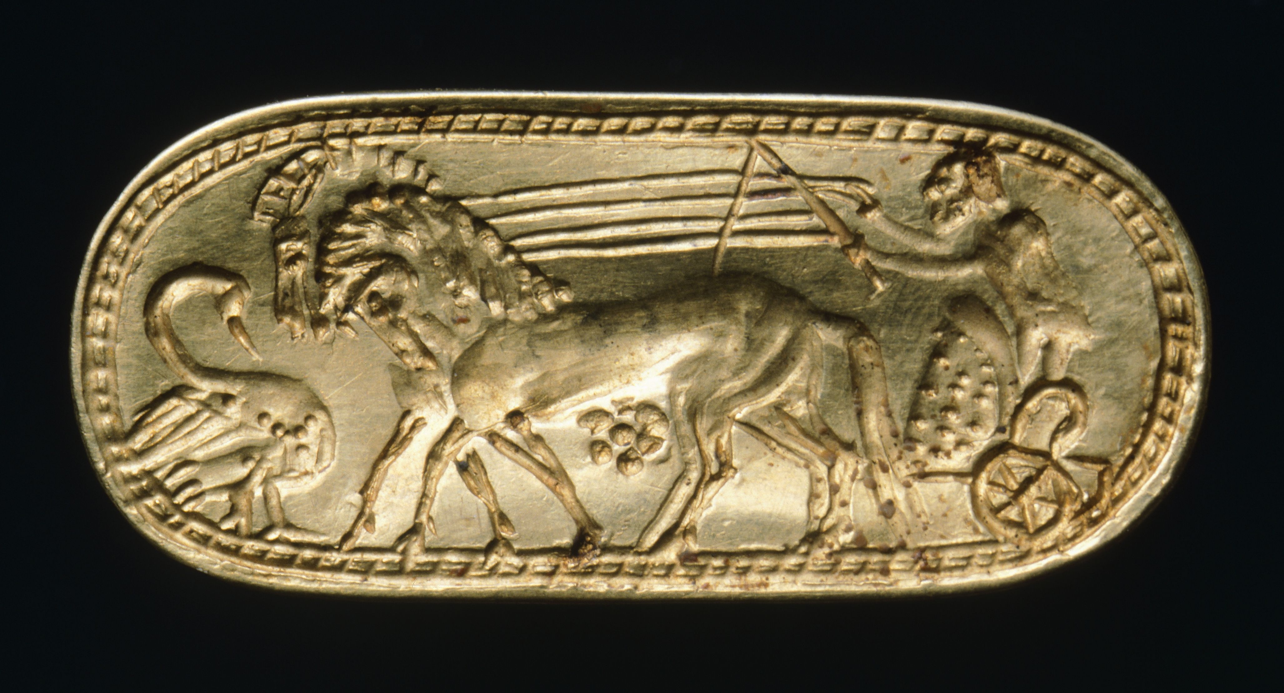 Gold ring. Etruscan civilization, 6th Century BC.