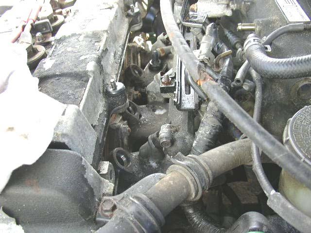 How To Replace A Fuel Injector In Your Carrhthoughtco: 2004 Honda Accord Fuel Injector Location At Gmaili.net