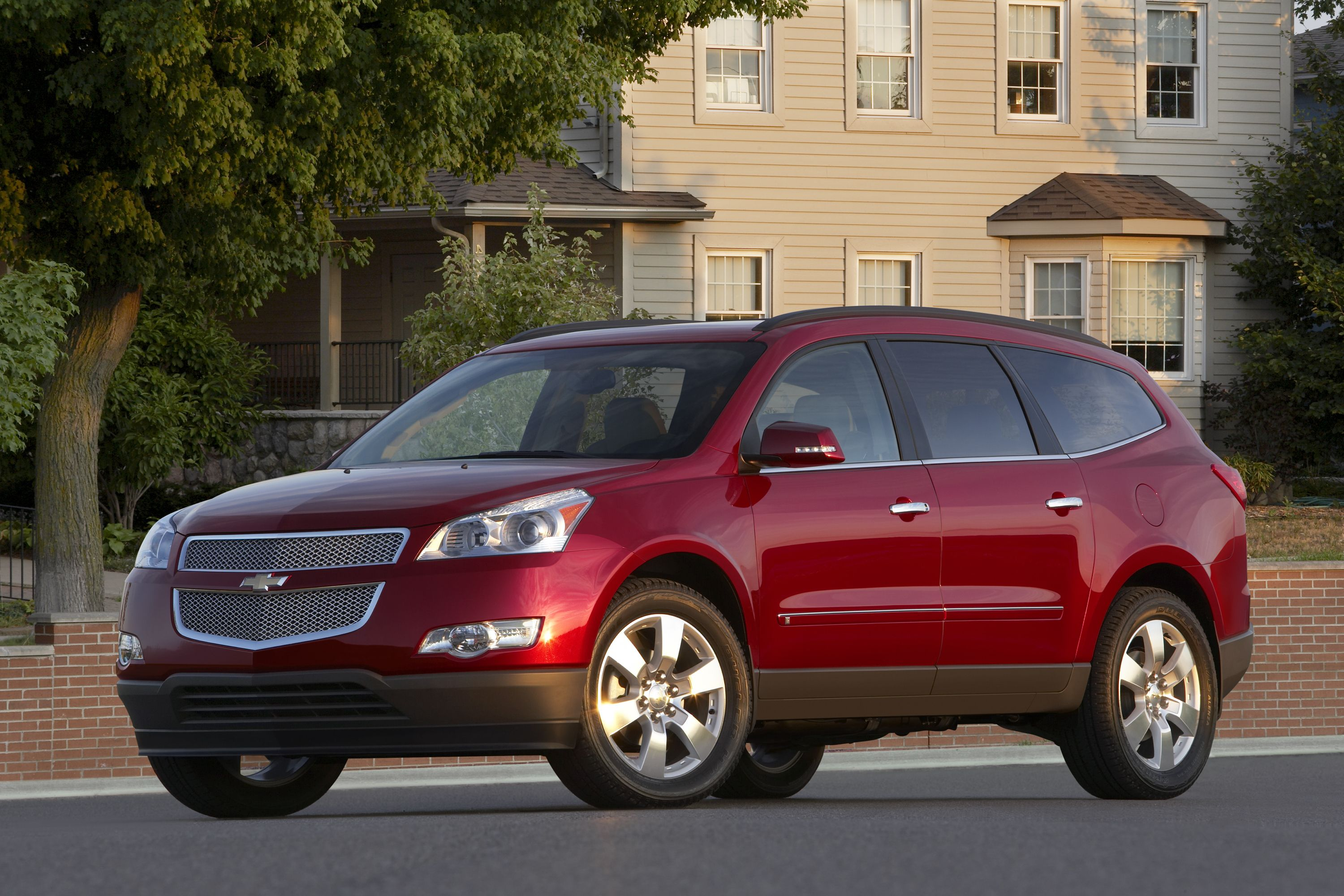 9 Best Reasons to Buy an SUV or Crossover