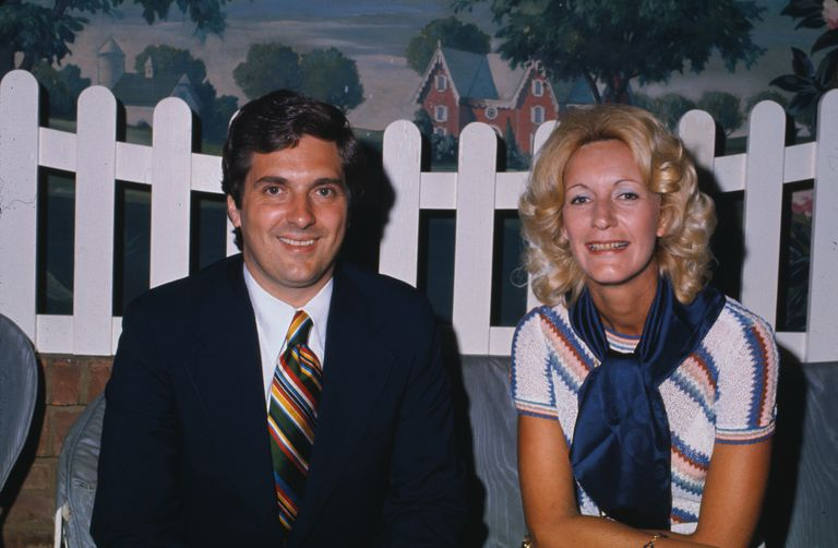 Golfer Carol Mann in 1975, with then-LPGA commissioner Ray Volpe.