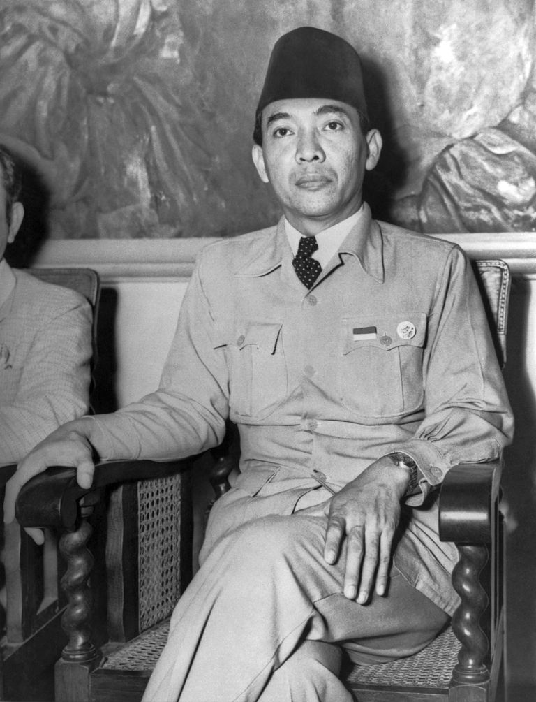 Sukarno declaring Indonesia's independence from the Netherlands in 1947.