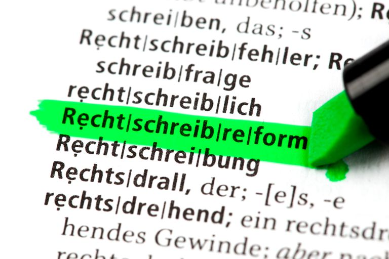 "Highlighting ""Rechtschreibreform"" in green in a German dictionary"