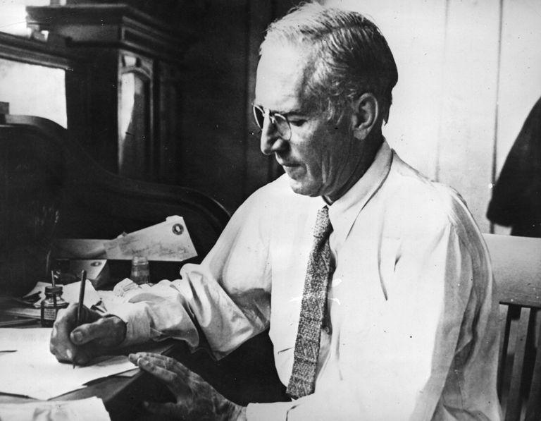 American novelist Upton Beall Sinclair (1878 - 1968)