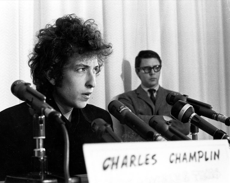 Dylan At A Press Conference In Los Angeles