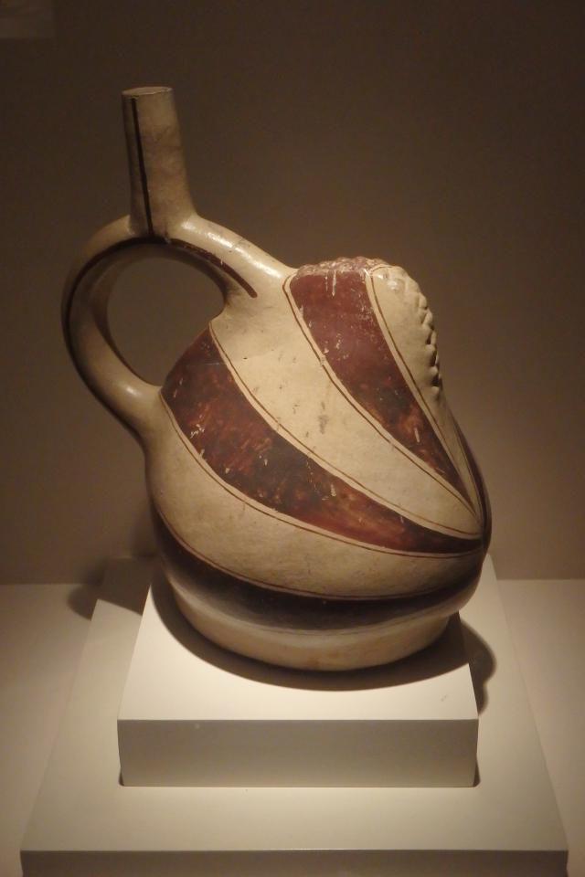 Moche Spondylus Effigy Pot