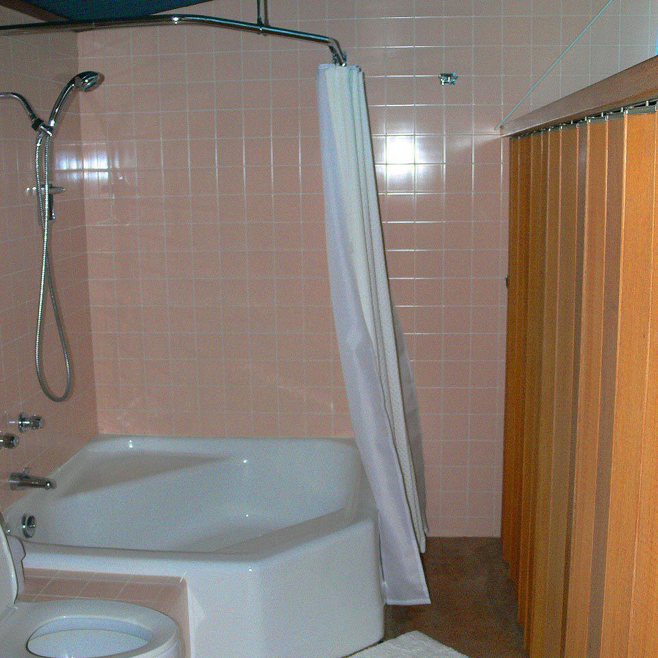 Bathroom of the Frey House II by architect Albert Frey