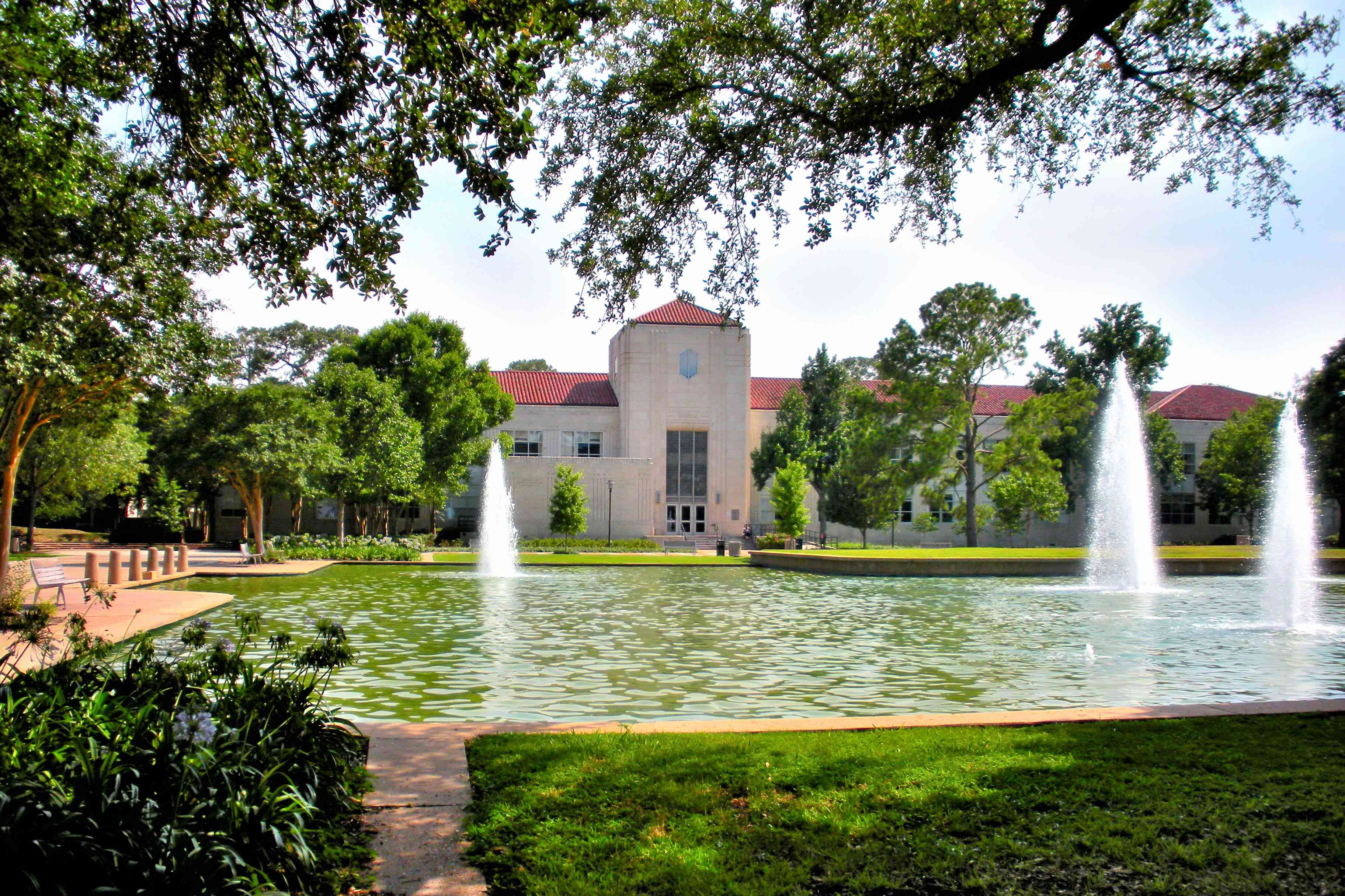 Fountains and campus in front of the Roy G. Cullen Building, University of Houston