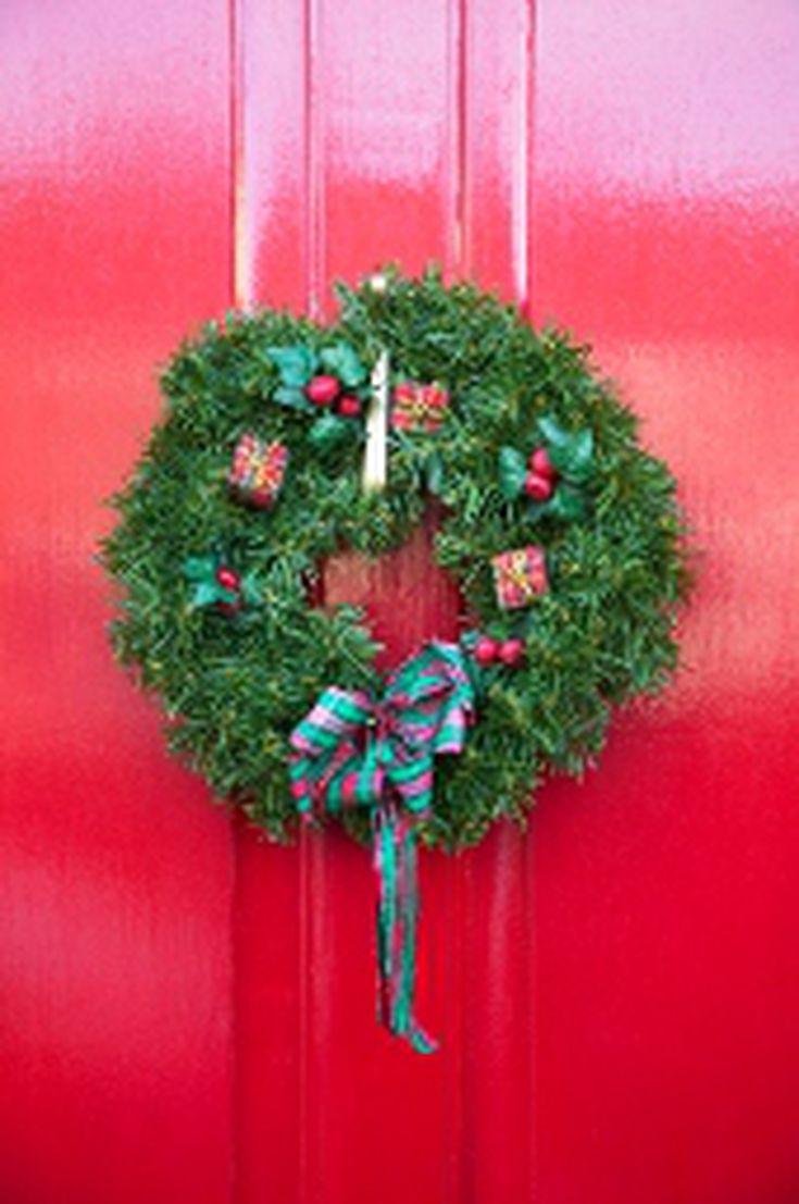 Deck the Halls\' Song: History of a Christmas Carol
