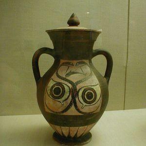 Ánfora de c.  530 AC;  atribuido al pintor Ivy.  En el Museo de Bellas Artes de Boston.