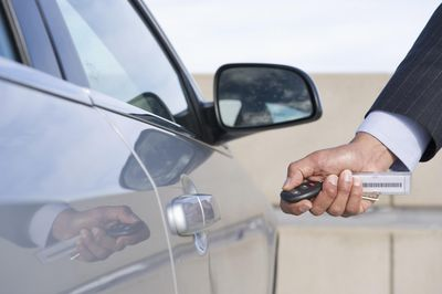 Are Car Thieves Hacking Remote Keys As A New Break In Technique Recycling Obsolete Mobile Phones