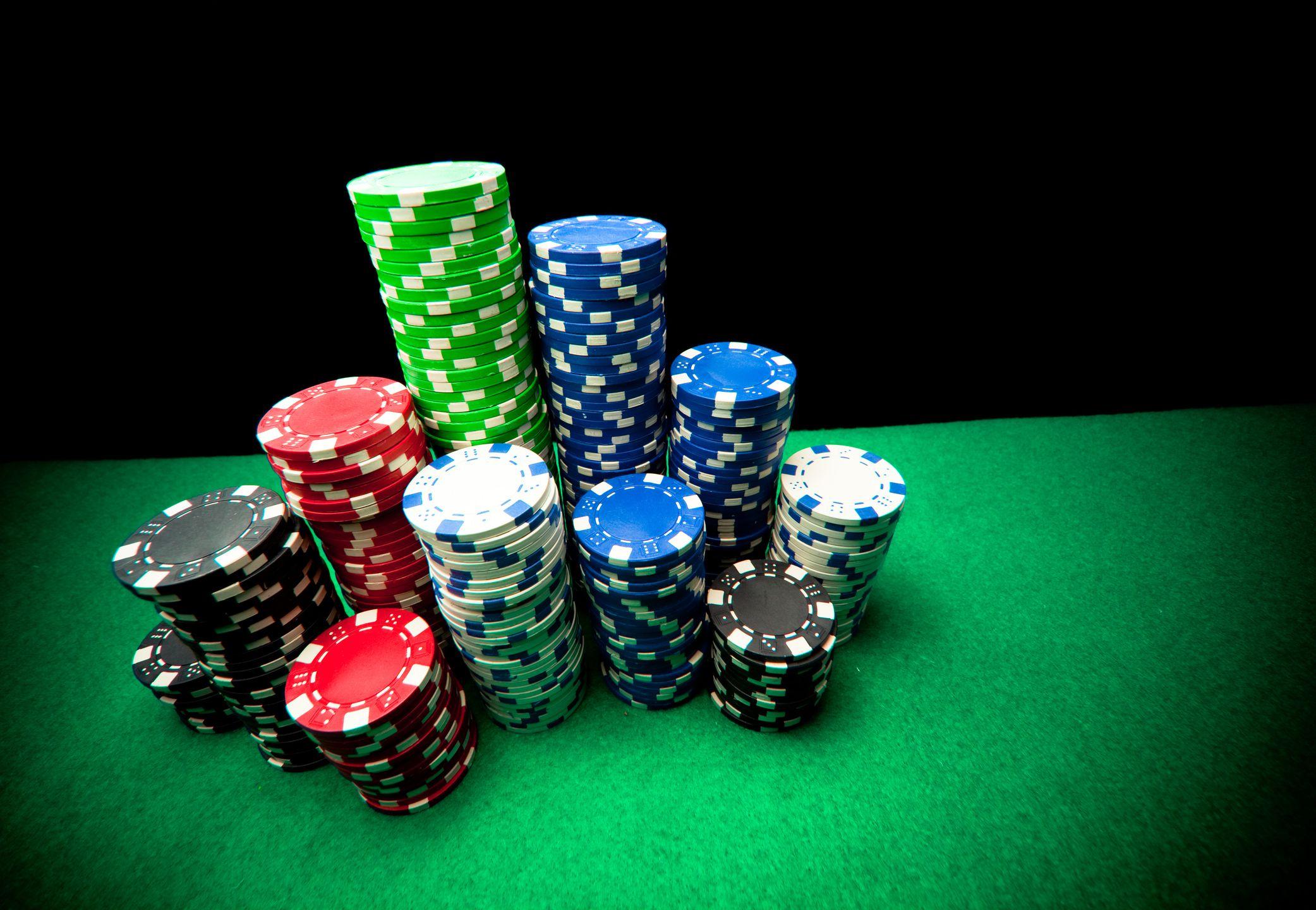 Deep Stack Poker Tournament Strategy - 100+ Big Blinds