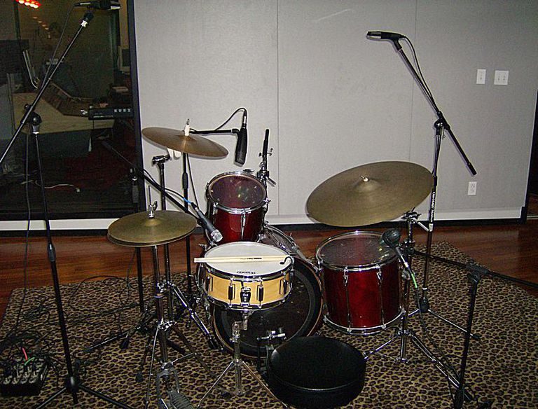 Drum Kit With Microphones