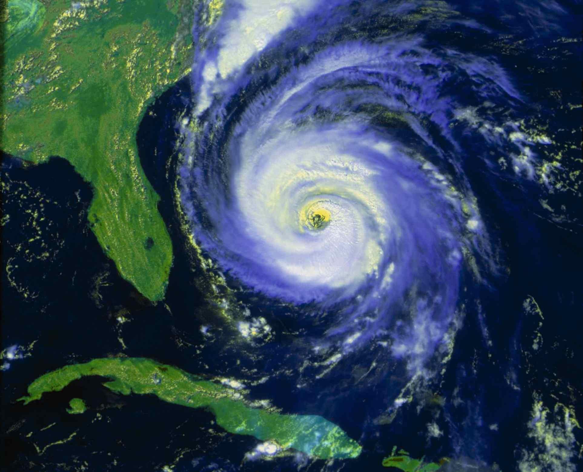 NOAA satellite image of hurricane Fran near USA