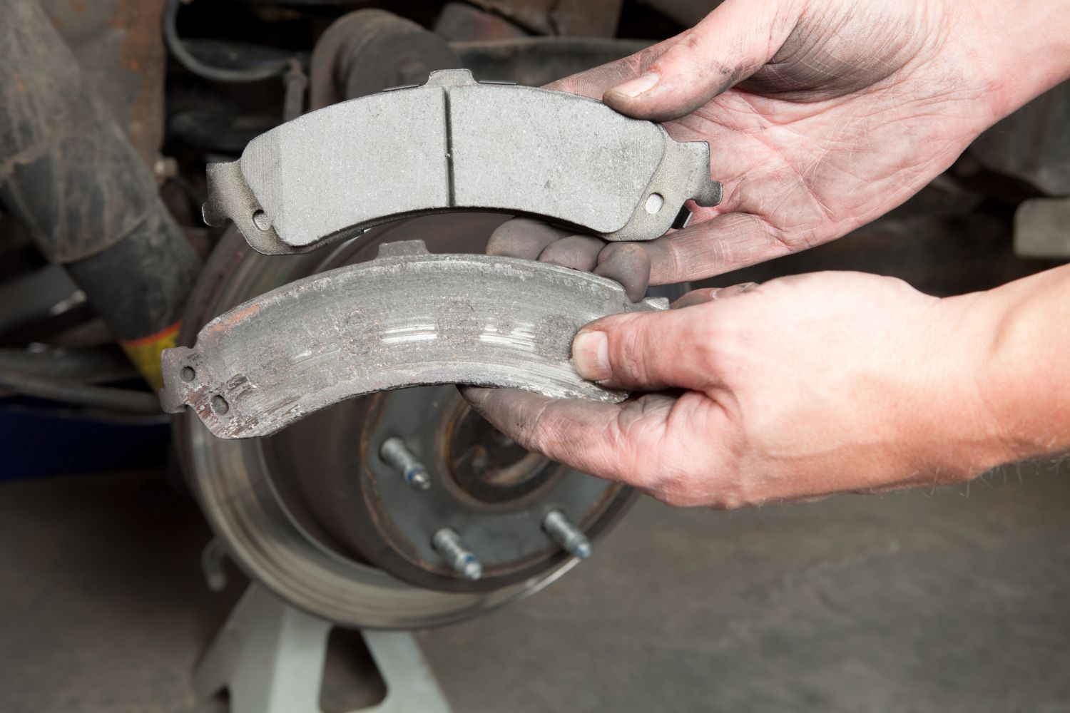 How Your Cars Brake Calipers Work Car System Diagram Passenger Comparing Worn And New Pads