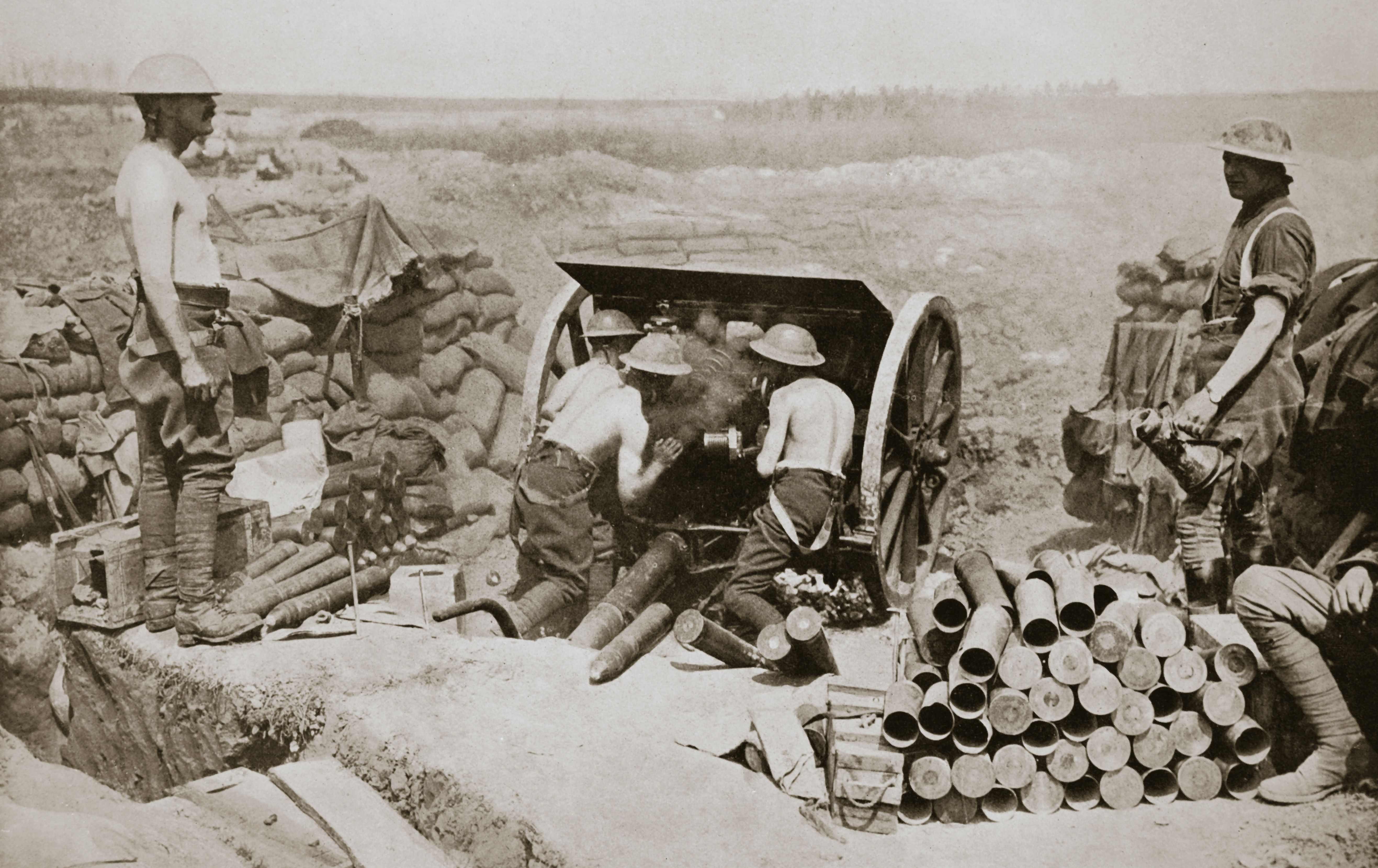 Hot Work At The Guns' Somme Campaign France World War I 1916