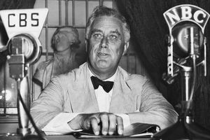 photo of Franklin Roosevelt broadcasting a Fireside Chat
