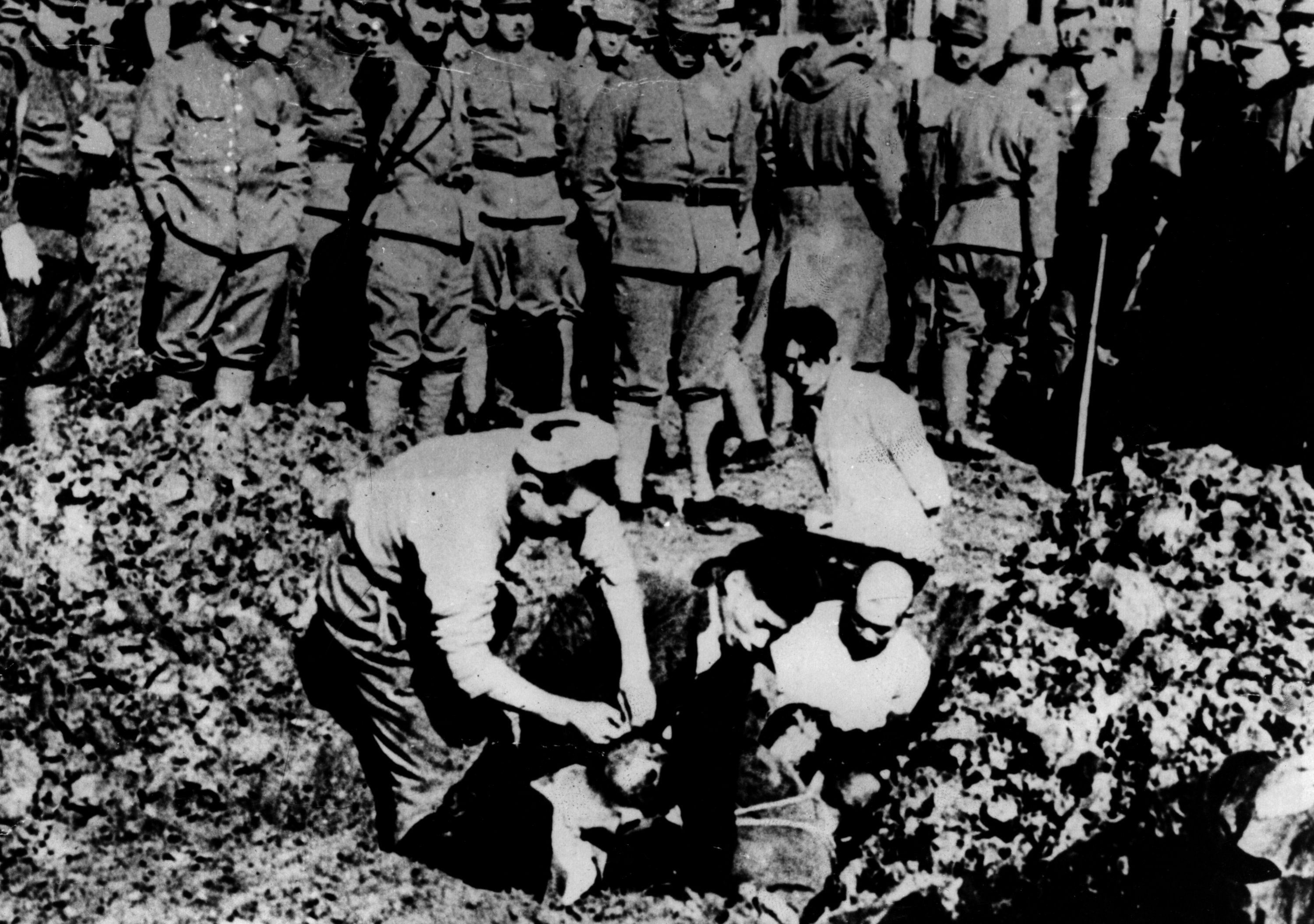 the rape of nanking The rape of nanking is surrounded in controversy that is stronger today than ever before much of this controversy involves iris chang's book, the rape of nanking many people believe that chang exaggerates the atrocities committed in nanking.