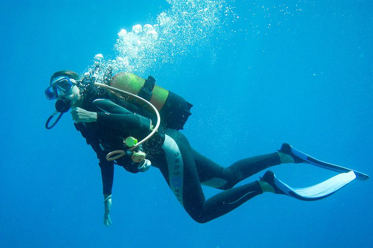 the most important scuba diving rule