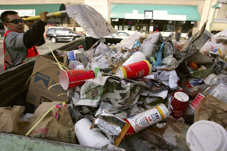 Oakland May Impose Nation's First Fast-Food Litter Tax