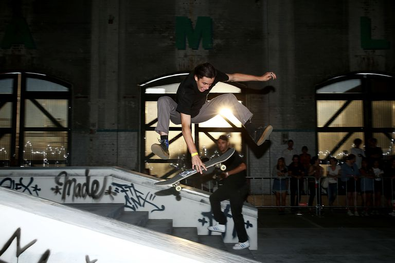 skateboarder competing