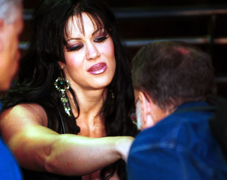 Biography of wwe diva chyna for Diva 2000