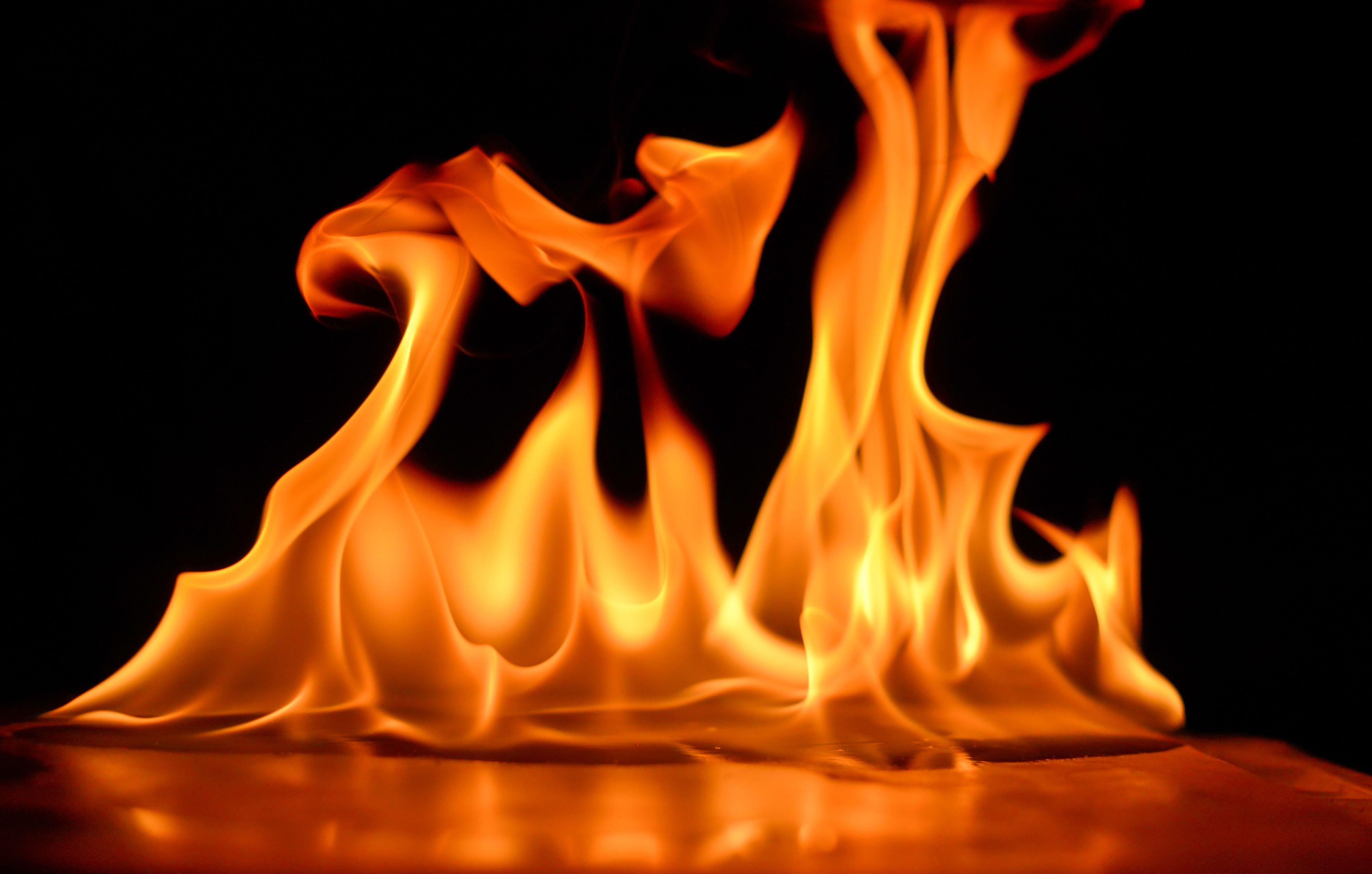 Sơ lược đôi nét về lửa và giấc mộng cháy nhà