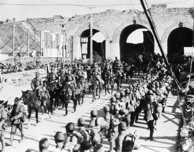 Japanese troops enter Nanking on July 4, 1937