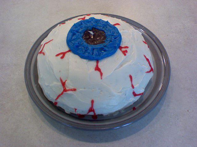 cake that looks like an eyeball