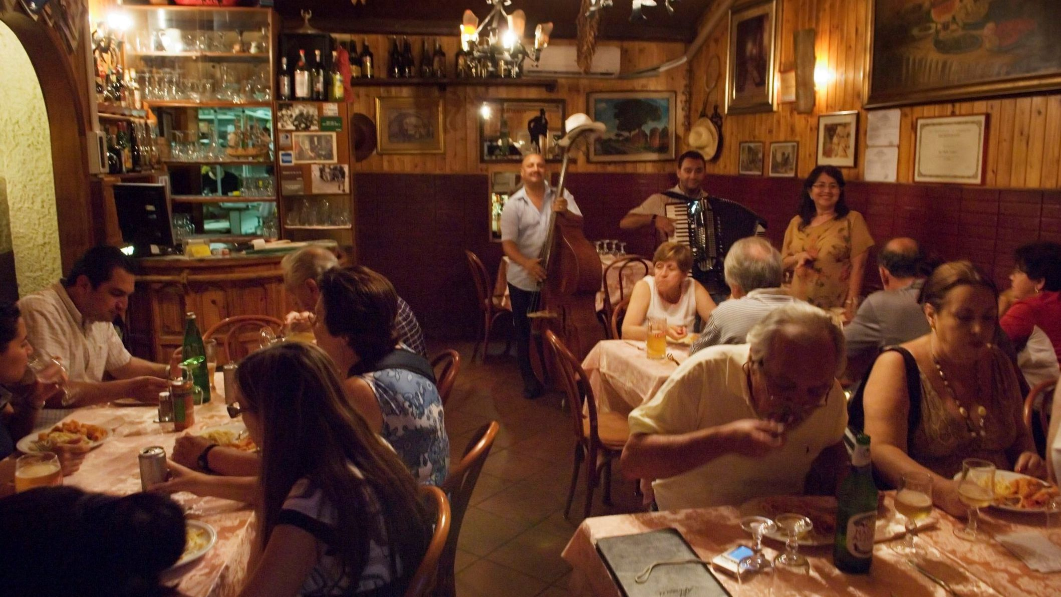 Italian Survival Phrases: Dining Out