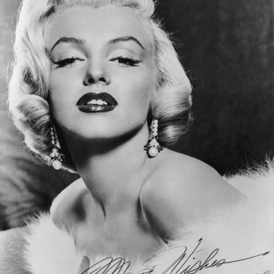 Is that aunt bee from the andy griffith show biography of model actress and sex symbol marilyn monroe altavistaventures Choice Image