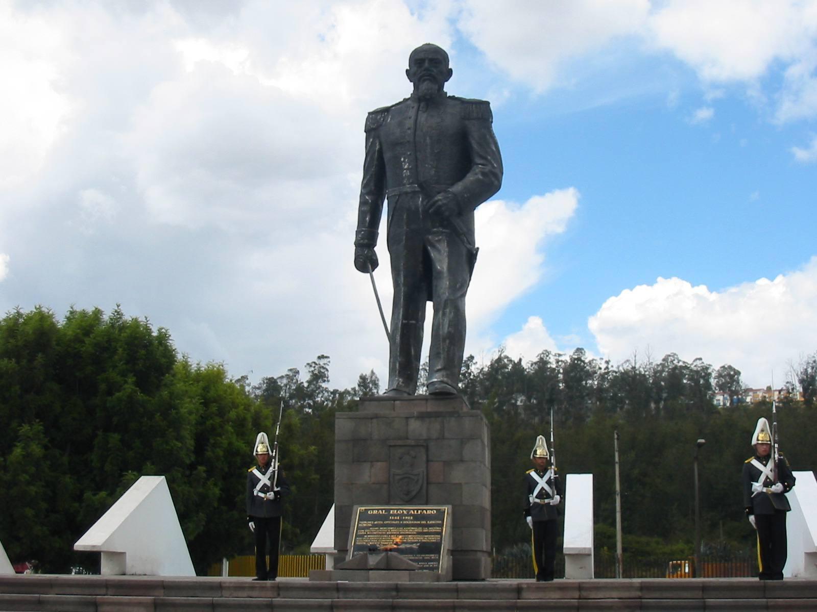 Monument to Eloy Alfaro