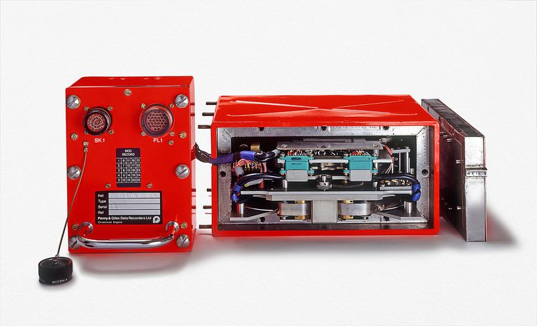 Front and internal view of a flight data recorder (black box)