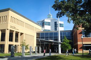 Miller Learning Resource Center at St. Cloud State University