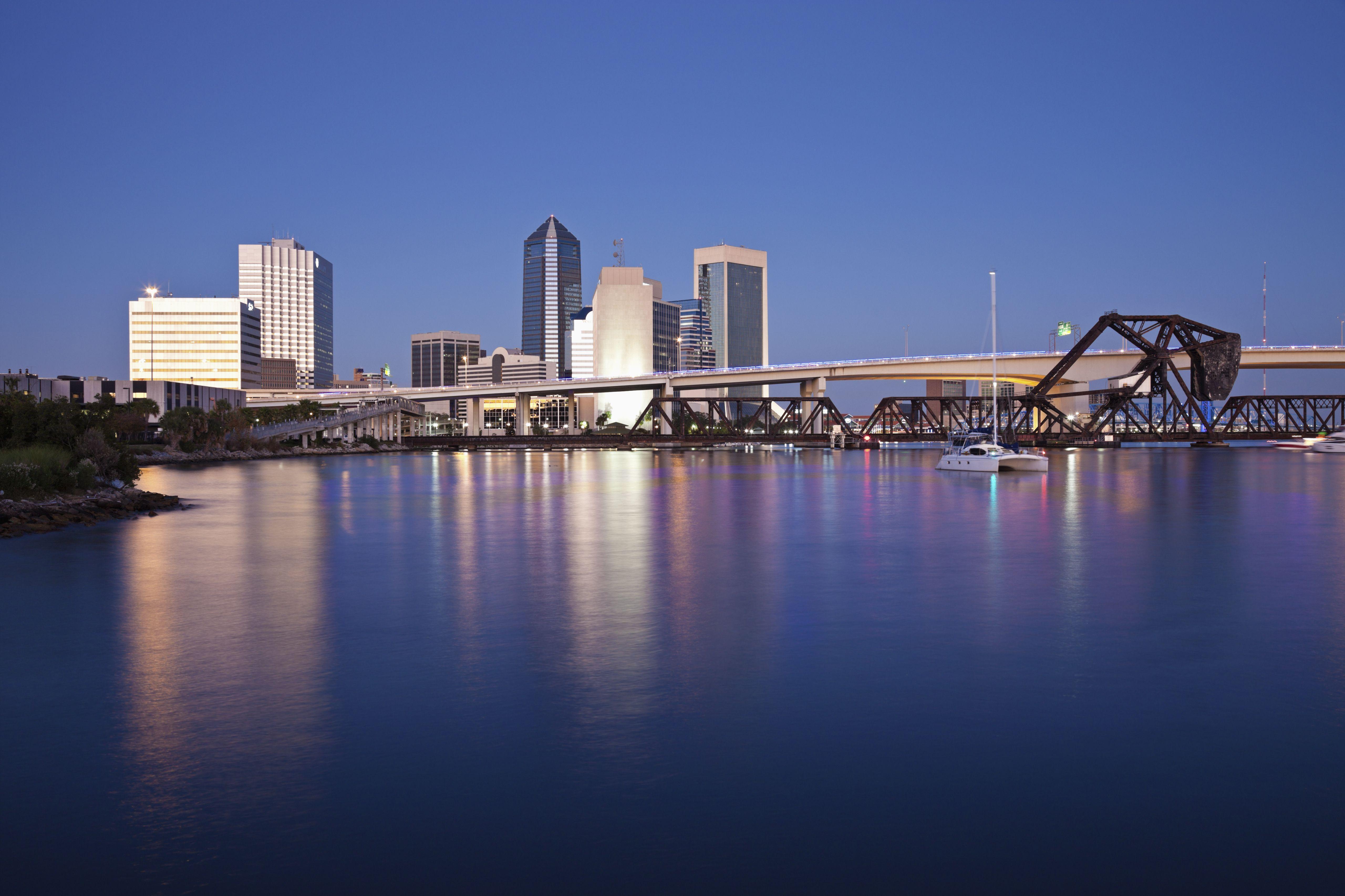 USA, Florida, Jacksonville, City skyline at dusk