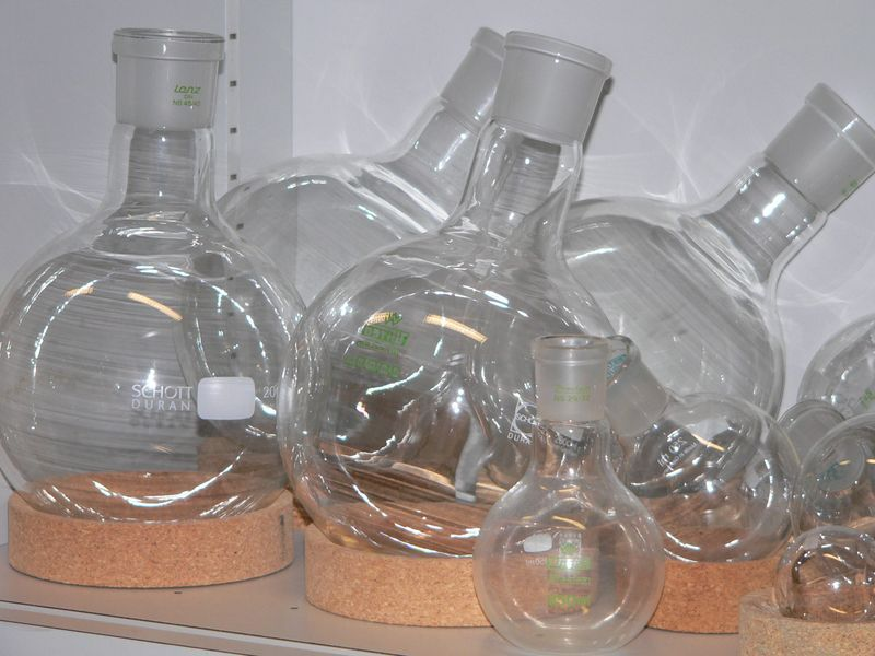 An Erlenmeyer bulb is another name for a round bottom flask.