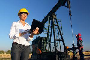 Workers in an Oilfield, teamwork