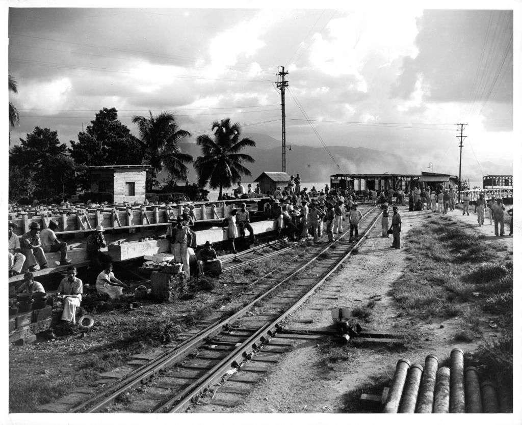 RAILROAD WORKERS IN GUATEMALA