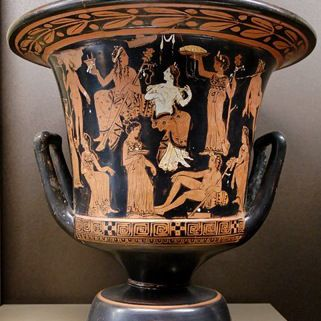 Dionisos, Ariadna, sátiros y ménades.  Lado A de una crátera cáliz ática de figuras rojas, c.  400-375 a. C.