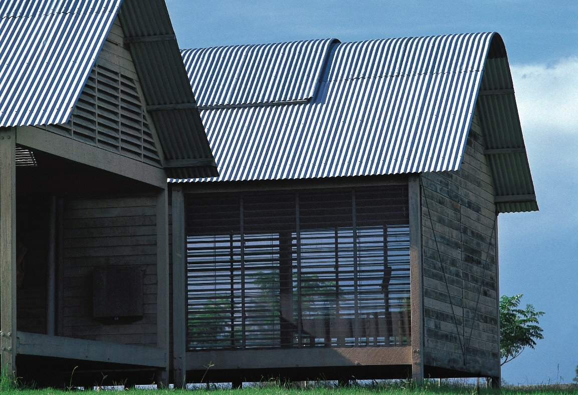 Detailing of the corrugated roof and side wall louvers of the Marie Short House designed by Glenn Murcutt